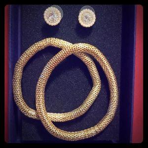 Bracelet and earing set